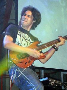 Congreso Conquistadores con Alex Campos en Cuenca .- Javier Serrano, Guitarrista de Misión Vida