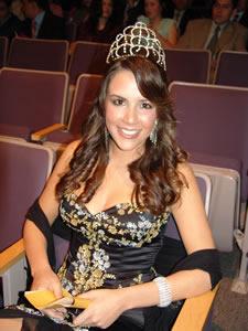 Elección de la Reina de Cuenca 2005 .- Verónica Ochoa, Reina de Cuenca 2004