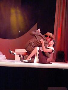 Elección de la Reina de Cuenca 2005 .- En la noche de la Elección el grupo Tango Ballet Salta de Argentina deleito a todos los presentes  con bailes característicos de este País