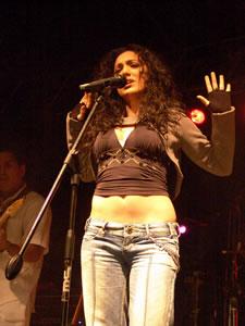 Pamela Cortés en Cuenca .- En la noche del 2 de Noviembre del 2005, por motivos de las Fiestas de Independencia de Cuenca, Pamela Cortes ofreció un concierto en Portal de Río Recepciones donde presento su ultimo material discográfico llamado –Esperaré-.