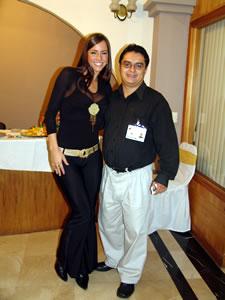 Pamela Cortés en Cuenca .- Paloma Fiusa, junto a Enrique Rodas de Cuencanos.com