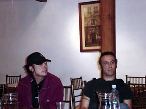 Vilma Palma y Vampiros .- los miembros de la banda compartieron con todas las personas que estuvieron allí como una sola familia, una amistad grandiosa