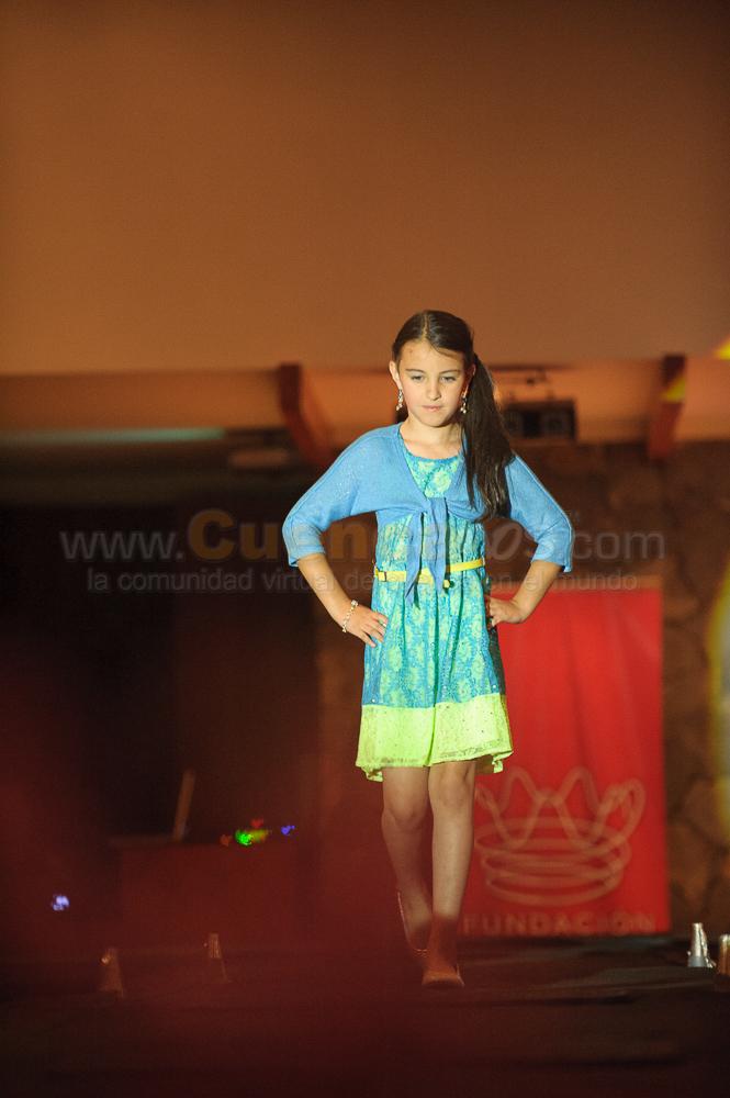 Desfile de Modas Victoria Pink .- En la Hacienda San Diego se realizo el Desfile de Modas de la tienda de ropa Victorias Pink en la que participaron niñas y hermosas chicas como fueron también las candidatas a Reina de Cuenca 2012 y la Reina y Virreina 2012 de la ciudad.