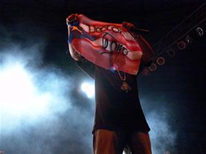 Don Omar en Cuenca .- Trébol Clan está integrado por Berto y Héctor, quienes rapean bajo la guía de DJ Joe. La producción Los Bacatranes cuenta con el flow necesario para ser un palo en la industria discográfica