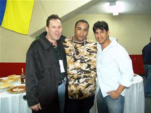 Don Omar en Cuenca .- Don Omar junto a Gravity Producciones quienes organizaron el Evento