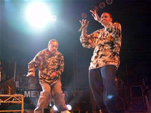 Don Omar en Cuenca .- Con el lanzamiento de su álbum, 'The Last Don', bajo dirección de El Bambino, y Tito. 'The Last Don' incluye a artistas invitados como Daddy Yankee, Trébol Clan en 'Tu Cuerpo Me Arrebata' y el mismo Héctor 'El Bambino' en 'Caserios #2,' además del bonus track de 'Dale Don Dale.'