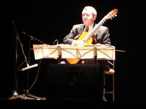 1er Festival Internacional de Guitarra Clásica Cuenca .- De 1992 a 1997 fue profesor de guitarra clásica en la Universidad de Puerto Rico.