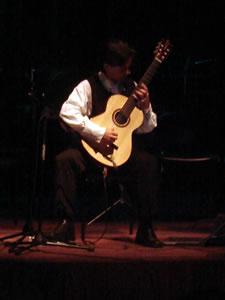 1er Festival Internacional de Guitarra Clásica Cuenca .- Nació en 1964 en Rouyn-Noranda (Québec, Canadá).