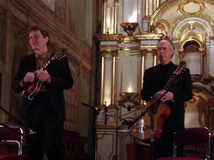 1er Festival Internacional de Guitarra Clásica Cuenca .- Sus presentaciones han sido altamente aclamadas por el publico y por la critica internacional.