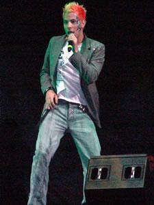 Rbd en Cuenca .- RBD , un grupo que sale de la ficción de una Telenovela, para romper esquemas en el mundo de la música. Sin lugar a dudas, el grupo pop más exitoso del momento, y del que seguiremos sabiendo grandes cosas