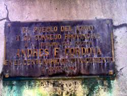 Andrés F. Córdova .- Inauguración : Mayo de 1992. Ubicación : Avenida Solano