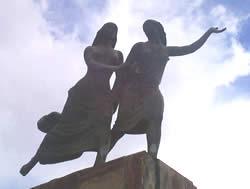 Remigio Crespo Toral .- Remigio Crespo Toral nació el 4 de Agosto de 1860 y murió, a los 79 años de edad, el 8 de julio de 1939. Sus padres: Manuel Crespo Patiño y Mercedes Toral Sánchez de la Flor.