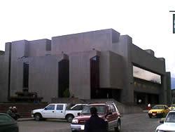 Banco Central del Ecuador .- Dirección Calle Larga y Avenida Huayna Cápac