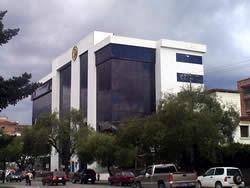 Edificio del Banco del Pichincha .- Avenidas Solano y 12 de Abril