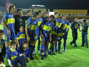 Copa Toyota Libertadores 2005 .- Boca Juniors, es unos de los clubes más importantes de Argentina y de Sudamérica, enfrentaba con todas sus 'estrellas' al Deportivo Cuenca, Campeón del Torneo Nacional 2004
