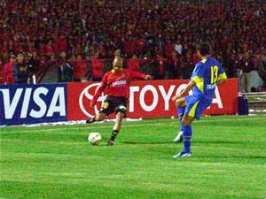 Copa Toyota Libertadores 2005 .- El medio sector colorado y la banda derecha fue bien comandada por: la dupla venezolana Gonzáles y Vallenilla respectivamente.