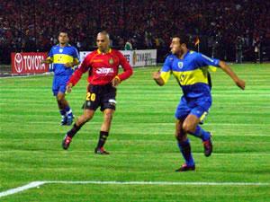 Copa Toyota Libertadores 2005 .- González tubo un buen desempeño en el medio campo Colorado, mostrando mucha habilidad a la hora de encarar al conjunto argentino