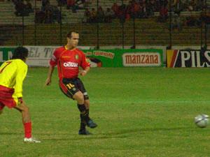 Temporada 2005 .- El brasileño Cassiano Méndez Da Rocha, quien no tuvo un primer tiempo como se esperaba, para la complementaria se mostró desequilibrante y suministrador de balones.