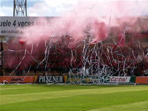 Temporada 2005 .- Júbilo y Alegría desborda la hinchada roja porque su equipo disputa un nuevo partido del Campeonato Nacional