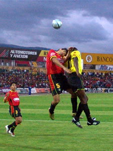 Temporada 2005 .- A pesar de que el árbitro adicionó 2 minutos extras, nunca se produjeron goles en este partido