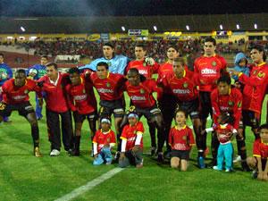 Temporada 2005 .- El Deportivo Cuenca se adjudicó 3 puntos importantes que le permite estar entre los primeros de la tabla de valores. La plantilla roja pudo remontar un marcador frente al Aucas que le dio problemas en la parte inicial