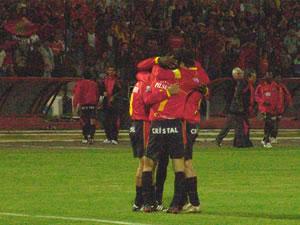 Temporada 2005 .- Ya eran 4 Goles. Aún no terminaba la primera parte y Deportivo Cuenca Goleaba a Liga de Quito por 4 a 0 y Cristian Carnero ya ponía la Tercera en su cuenta personal