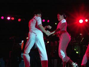 Jerry Rivera en Cuenca .- En 1993, su cuarto álbum, 'Cara de Niño', superó aún el éxito del anterior, deparándole otro Premio Lo Nuestro como Artista del Año, el Billboard al Mejor Álbum Tropical y su primera nominación al Grammy. El disco fue Triple Platino en Estados Unidos y Doble Platino en Venezuela y Centroamérica. Jerry continuó su carrera de éxitos con los álbumes: 'Lo Nuevo y Lo Mejor' (1994), 'Magia' (1995) y 'Fresco' (1996) que le valió otra nominación al Grammy.