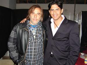 Alejandro Lener en Cuenca .- Gravity Producciones junto a Alejandro Lerner, minutos antes del Concierto