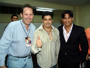 Jerry Rivera en Cuenca .- Gravity Producciones junto a Jerry Rivera, minutos antes del Concierto