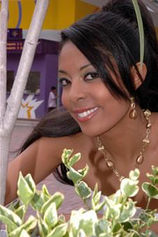 Candidatas a Miss Ecuador 2006 .- Denisse Rodríguez representante de la Ciudad de Quito actualmente Trabaja en la Dirección del Proyecto de Donaciones del Impuesto a la Renta para la FEUCE en Quito
