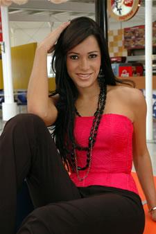 Candidatas a Miss Ecuador 2006 .- Katty López, es de la Ciudad de Guayaquil (Prov. del Guayas). Edad: 22 Años y Estatura de 1.75