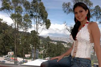 Candidatas a Miss Ecuador 2006 .- Mayra Ríos, es estudiante de Economía en la Universidad de Machala y Estudiante de Comunicación Social en la Universidad Particular de Loja