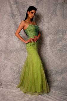 Candidatas a Miss Ecuador 2006 .- Rebeca Flores Fue Reina de Cuenca en el Periodo 2003-2004 además de ser Ganadora de la Chica de la Mejor Portada de Vistazo 2005
