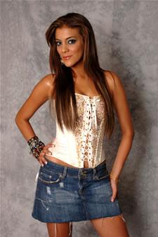 Candidatas a Miss Ecuador 2006 .- Tahiz Panús es Reportera de Televisión del Programa 'En Boga' de Telerama, además da Clases Particulares de Modelaje y Practica Yoga