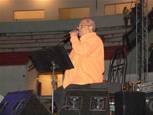 Pablo Milanes en Cuenca .- Pablo Milanés posee una de las mejores y mas versátiles voces de la canción cubana de todos los tiempos. Como compositor ha recorrido diversos géneros de la música popular cubana, sobre todo el son.