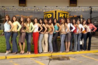 Candidatas a Miss Ecuador 2006 .- Foto de las Candidatas en las Instalcaciones de Red-Peppers