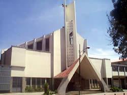 Iglesia de María Auxiliadora .- Ubicada en la Calle Vega Muñoz entre Padre Aguirre y General Torres