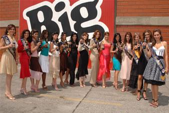 Candidatas a Miss Ecuador 2006 .- Visita de las 15 candidatas a Big Cola