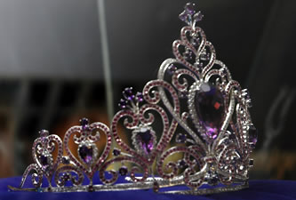 Candidatas a Miss Ecuador 2006 .- Corona de Miss Ecuador diseño de Daniela Kronfle