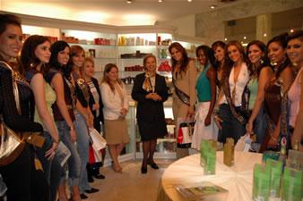 Candidatas a Miss Ecuador 2006 .- Visita a las Fragancias