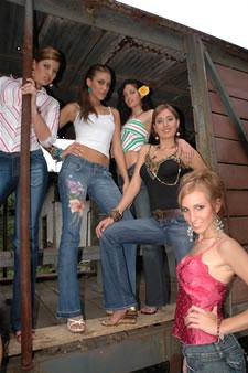 Candidatas a Miss Ecuador 2006 .- Ma Eugenia Macias, Tahiz Panus, Rebeca Flores, Jessica Bajaña