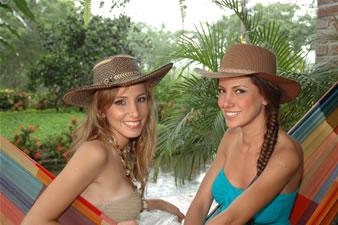 Candidatas a Miss Ecuador 2006 .- Stephanie Saman & Laura Cruz