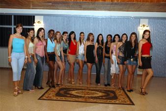 Candidatas a Miss Ecuador 2006 .- Candidatas en Salon del casino de Base Naval Salinas