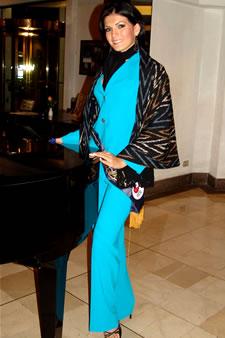 Candidatas a Miss Ecuador 2006 .- Mirelly Barzola candidata al certamen de Miss Ecuador 2006 en su arribo a la Ciudad de Cuenca