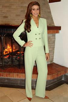 Candidatas a Miss Ecuador 2006 .- Tahiz Panús candidata al certamen de Miss Ecuador 2006 en su arribo a la Ciudad de Cuenca
