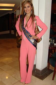 Candidatas a Miss Ecuador 2006 .- Jessica Bajaña candidata al certamen de Miss Ecuador 2006 en su arribo a la Ciudad de Cuenca