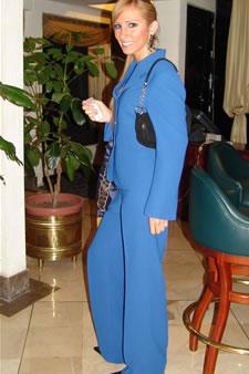 Candidatas a Miss Ecuador 2006 .- Estephani Saman candidata al certamen de Miss Ecuador 2006 en su arribo a la Ciudad de Cuenca
