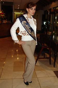 Candidatas a Miss Ecuador 2006 .- Ma. Augusta Gortaire candidata al certamen de Miss Ecuador 2006 en su arribo a la Ciudad de Cuenca