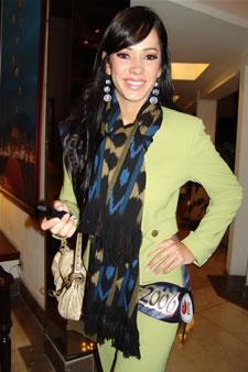 Candidatas a Miss Ecuador 2006 .- Katty López candidata al certamen de Miss Ecuador 2006 en su arribo a la Ciudad de Cuenca