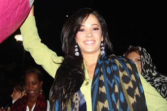 Candidatas a Miss Ecuador 2006 .- Luego coloridos globos con los nombres de cada una fueron elevados al firmamento como muestra de la alegría que embarga y llena de orgullo al público cuencano con la realización del certamen de belleza más importante del país en nuestra ciudad.